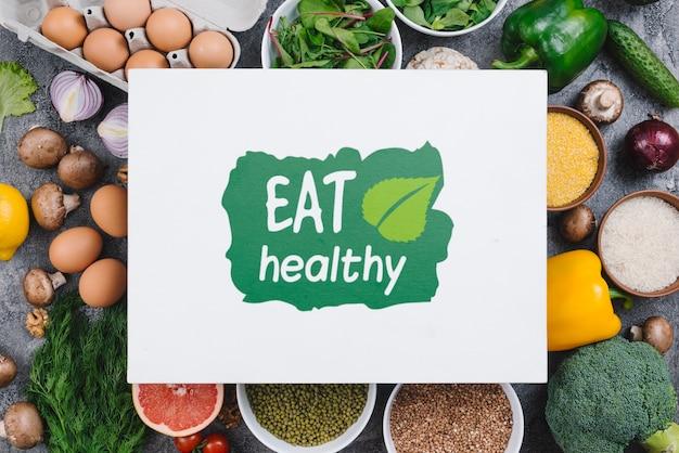 Eet een gezond veganistisch voedselmodel Gratis Psd