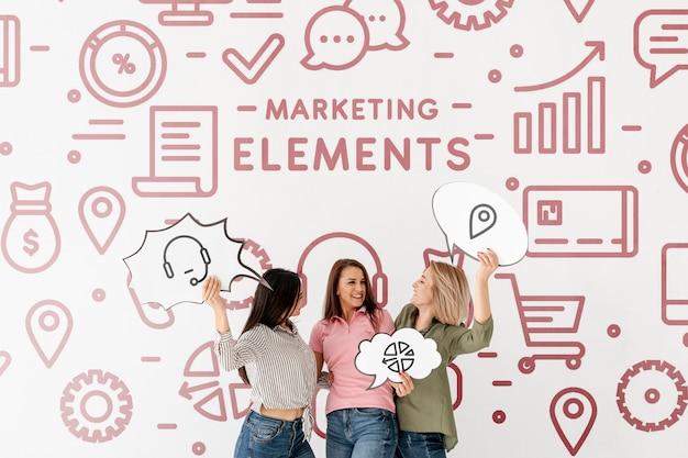 Elementi di marketing doodle sfondo con le donne Psd Gratuite
