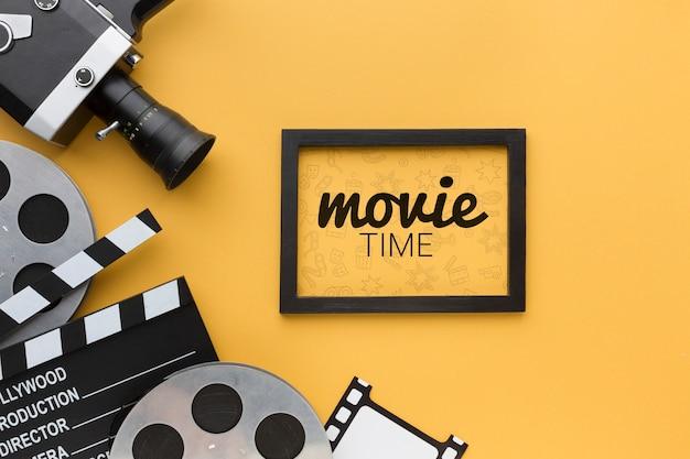 Film time mock-up in frame e oggetti di scena Psd Gratuite