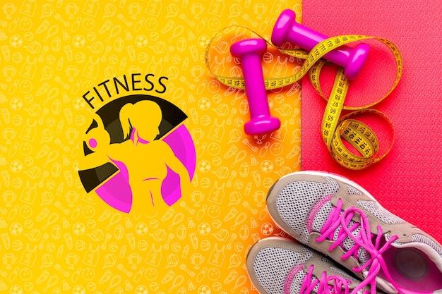 Fitness schoenen en gewichten apparatuur Gratis Psd