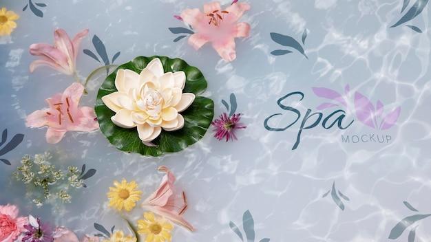 Floral spa concept mock-up Gratis Psd