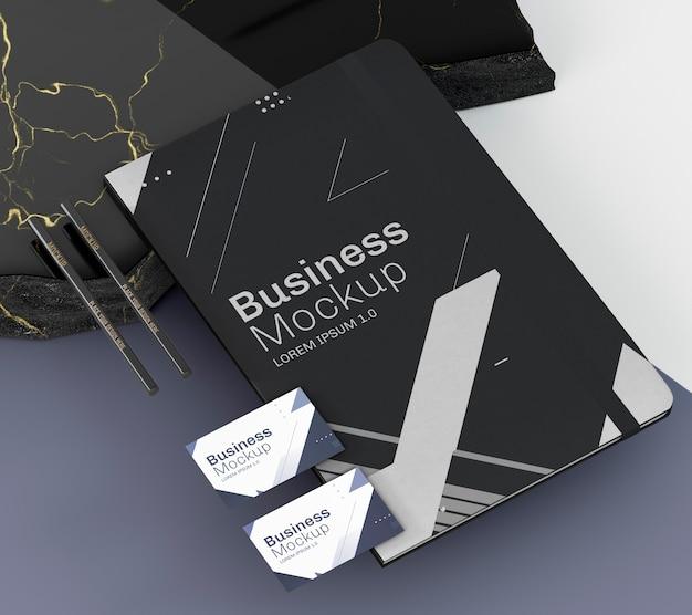 Flyer y tarjetas de visita de alta visibilidad PSD Premium