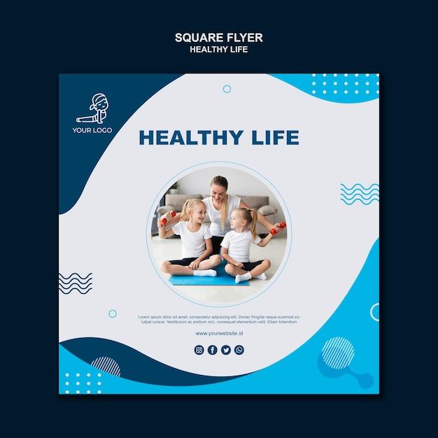 Folleto cuadrado de concepto de vida saludable PSD gratuito
