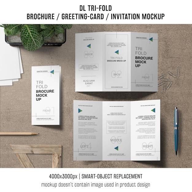 Folleto triple o invitación maqueta concepto de la naturaleza muerta PSD gratuito