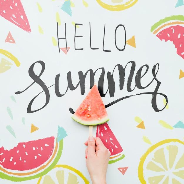 Fondo flat lay de verano con frutas exóticas PSD gratuito