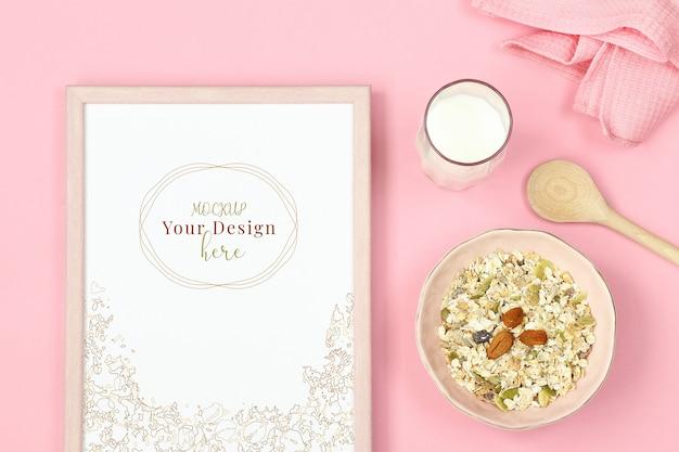 Fotolijst mockup op roze achtergrond met muesli en glas melk Premium Psd