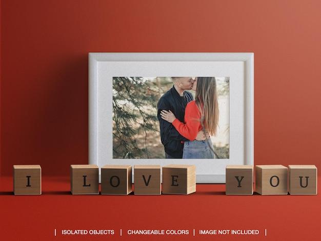 Frame fotokaart mockup voor valentijnsdag concept met decoraties geïsoleerd Premium Psd