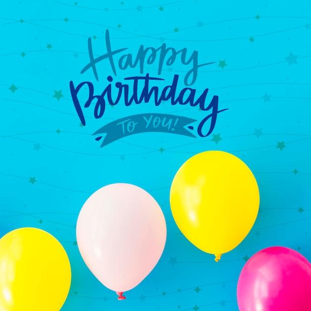 Gefeliciteerd met je verjaardag met kleurrijke ballonnen Gratis Psd