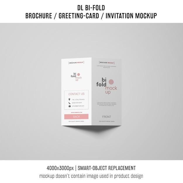 Gevouwen brochure of uitnodiging mockup Gratis Psd