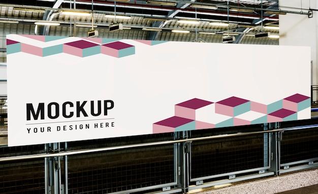 Groot reclamebordmodel voor advertenties Gratis Psd