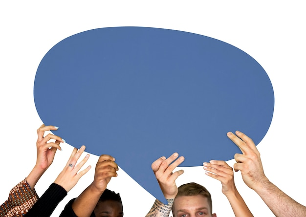 Grupo de personas de diversidad con signo de burbuja de discurso PSD gratuito