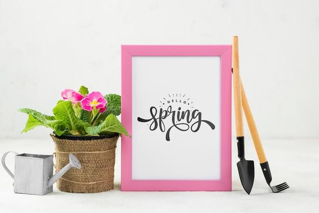 Hallo lente mockup met bloemen Gratis Psd