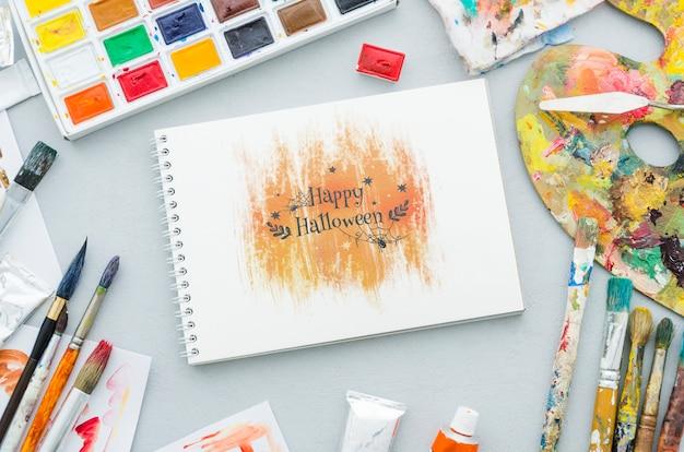 Halloween artistiek tekenen op laptop Gratis Psd