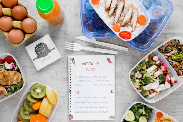Heerlijk biologisch eten en notebook Gratis Psd