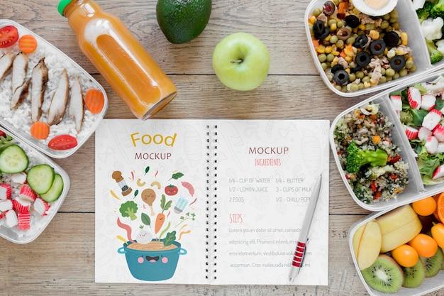 Heerlijk biologisch voedselmodel Gratis Psd
