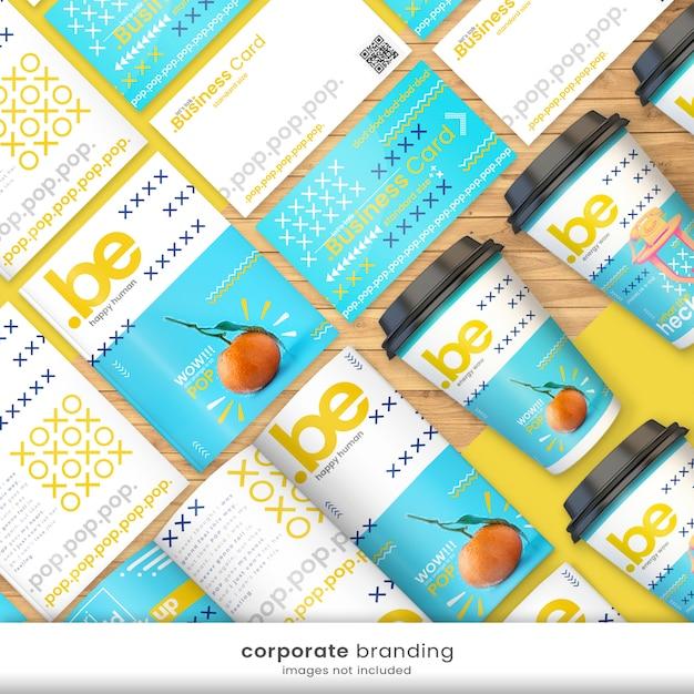 Heldere en kleurrijke huisstijl branding kit met visitekaartje mockup, flyer mockup, papieren beker mockup Premium Psd