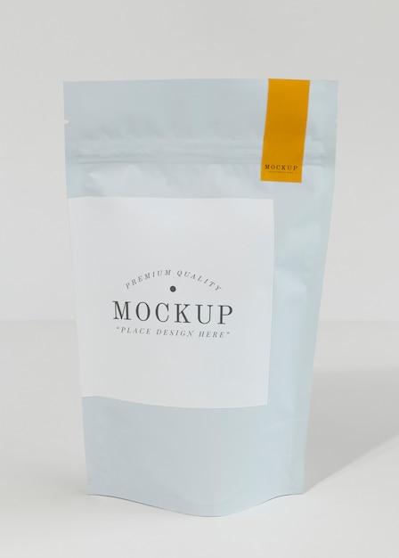 Hersluitbaar tasmodel voor koffiebonen Gratis Psd
