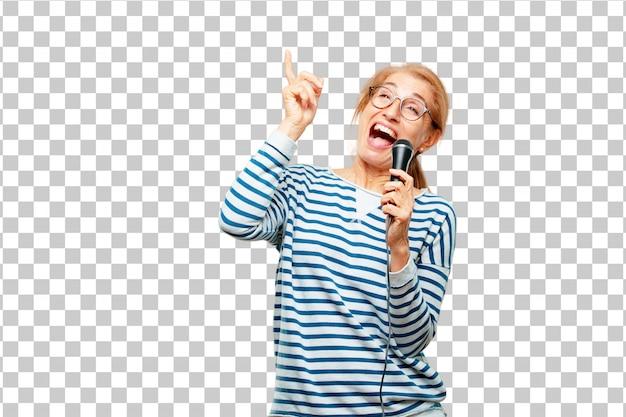 Hogere mooie vrouw met een microfoon Premium Psd