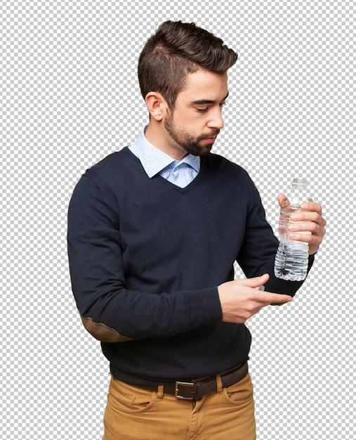 Hombre bebiendo agua PSD Premium