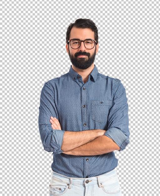 Hombre joven inconformista con los brazos cruzados PSD Premium
