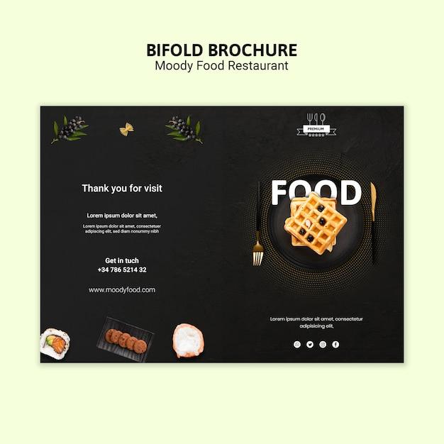 Humeurig voedsel tweevoudig brochuremalplaatje Gratis Psd