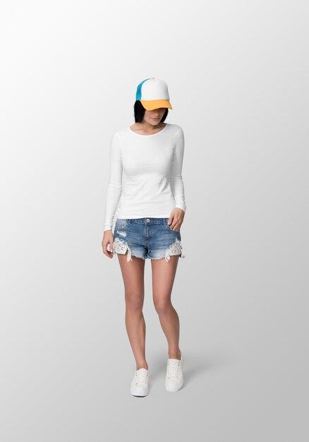 Jonge man met wit t-shirt met lange mouwen en pet Premium Psd