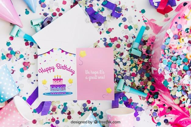 Kaartmodel met verjaardagsontwerp Gratis Psd