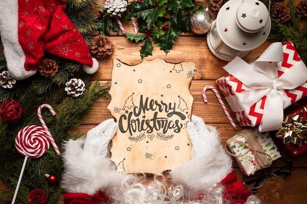 Kerst ornamenten met brief mock-up Gratis Psd