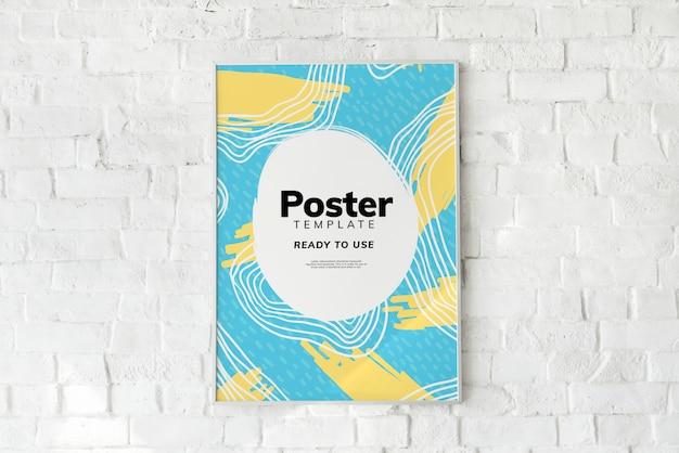 Kleurrijk affichemalplaatje op een witte bakstenen muur Gratis Psd
