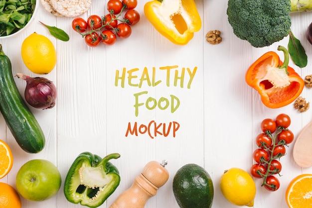 Kleurrijke groenten veganistisch eten mock-up Gratis Psd