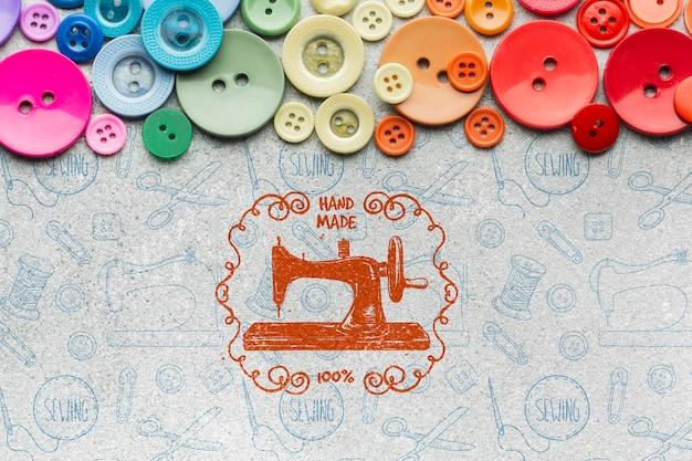 Kleurrijke knoppen met mock-up Gratis Psd