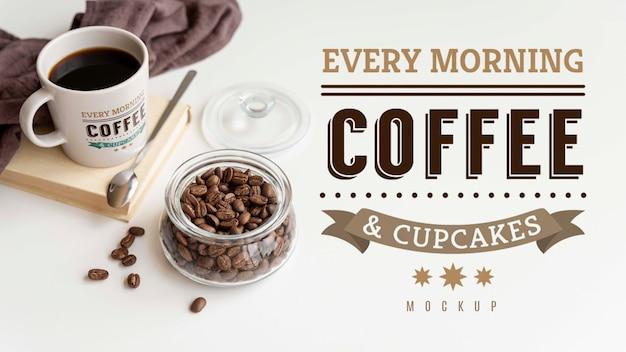 Kopje koffie op tafel Gratis Psd