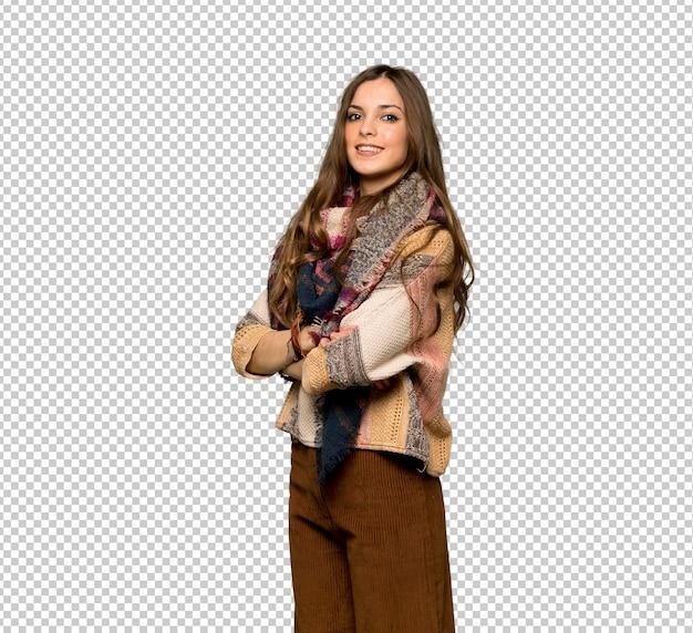 La giovane donna di hippy con le braccia ha attraversato e guardare in avanti Psd Premium
