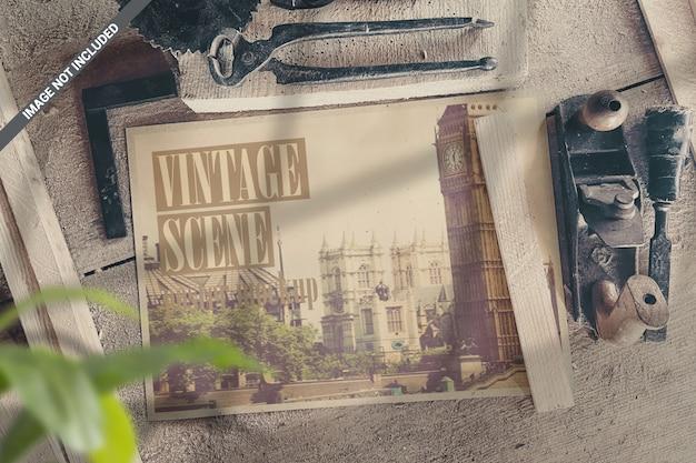 Landschap poster in workshop met vintage tools scene mockup Premium Psd