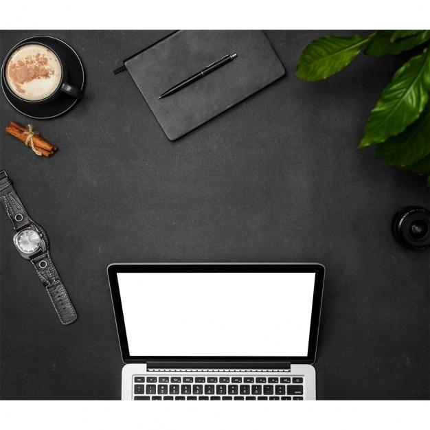 Laptop mock up design Gratis Psd