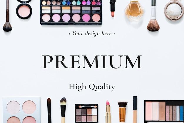 Lege witte tafel met cosmestics Premium Psd