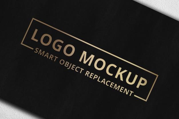 Logo mockup su carta Psd Premium
