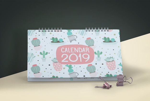 Manichino del calendario disegnato a mano Psd Gratuite
