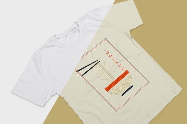 Maqueta de concepto de camiseta de alto ángulo PSD gratuito