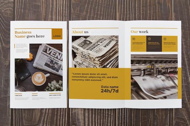 Maqueta de concepto de folleto doble PSD Premium
