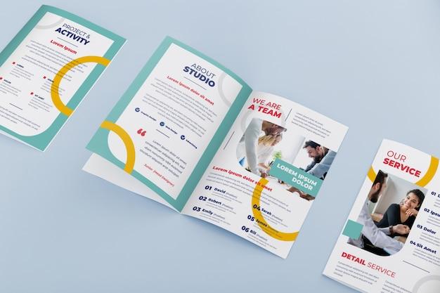Maqueta del concepto de folleto PSD gratuito