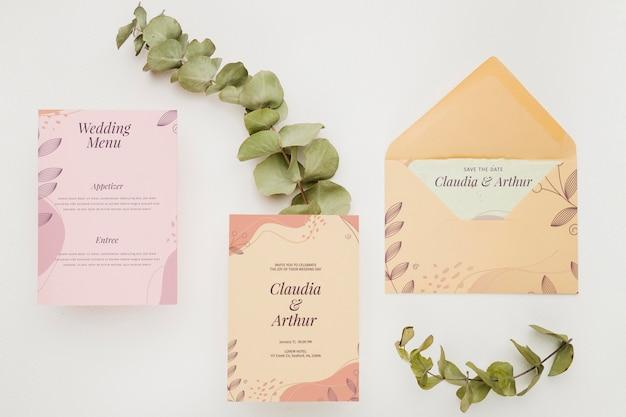 Maqueta de concepto de invitación de boda PSD gratuito