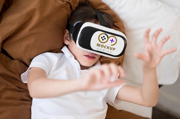 Maqueta de concepto de tecnología y niños PSD gratuito