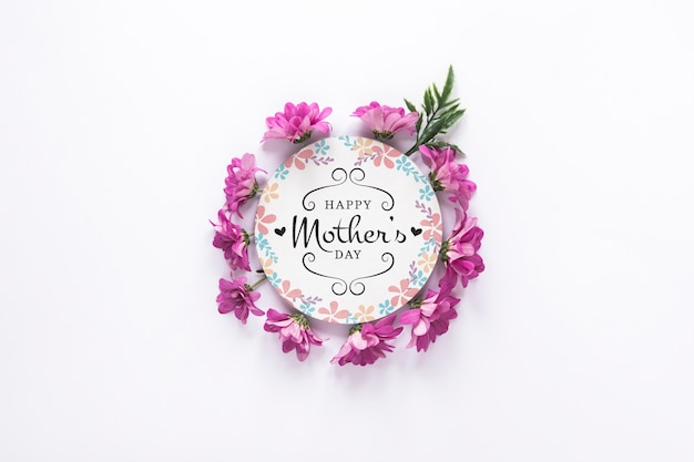Maqueta de etiqueta con concepto del día de la madre PSD gratuito