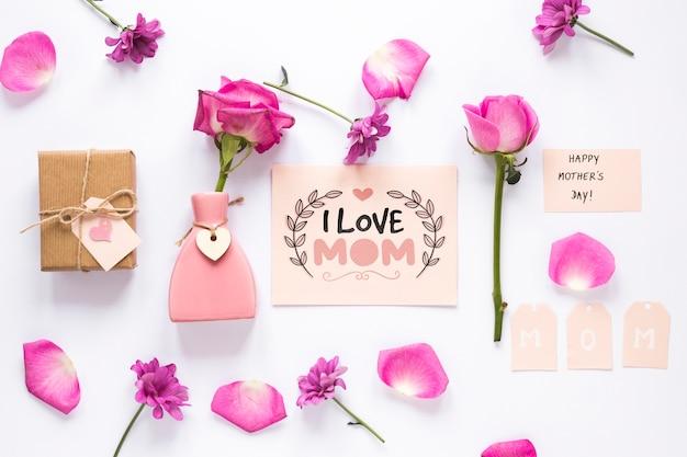 Maqueta flat lay de tarjeta del día de la madre PSD gratuito