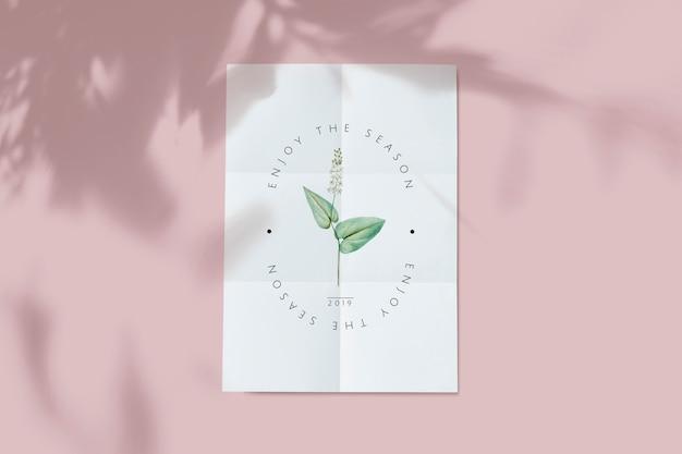 Maqueta floral de la tarjeta PSD gratuito