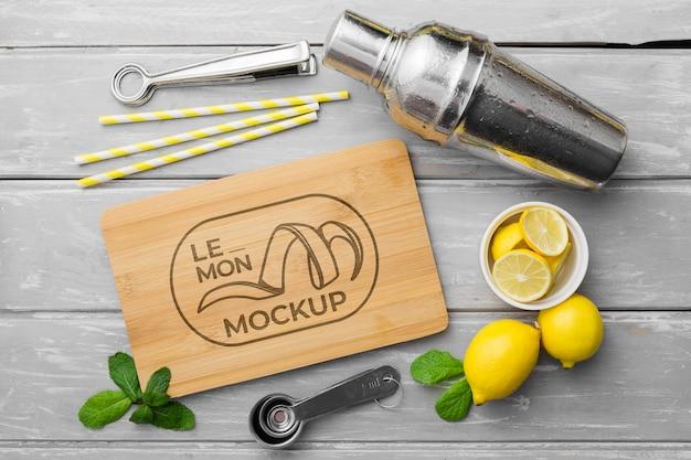 Maqueta de limón y coctelera PSD Premium