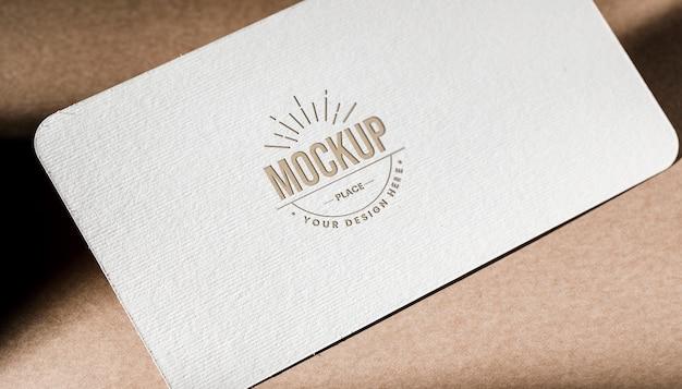 Maqueta de papel de tarjeta de visita con textura PSD gratuito
