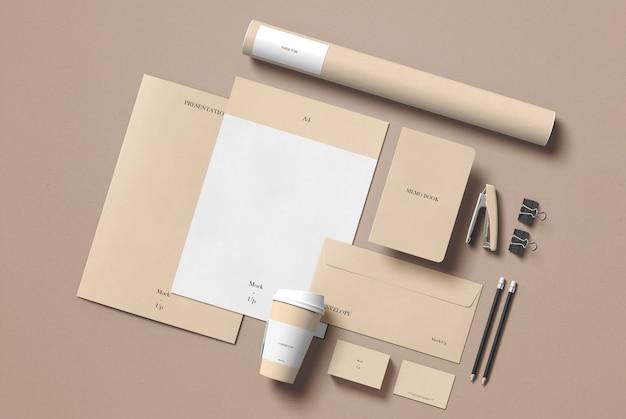 Maqueta de papelería PSD Premium