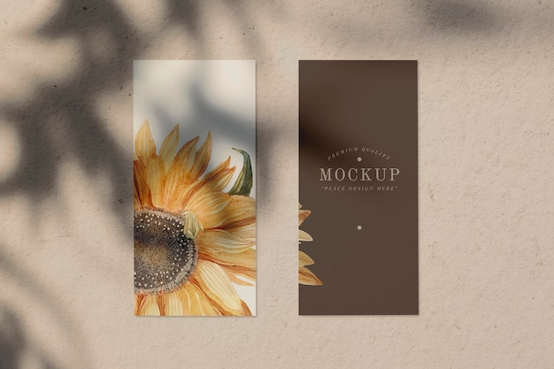 Maqueta de tarjeta de menú de diseño de girasol PSD gratuito